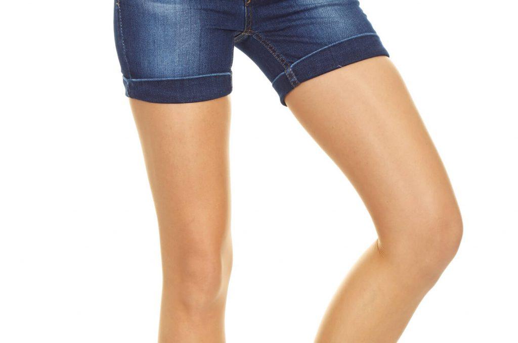 女性の太腿