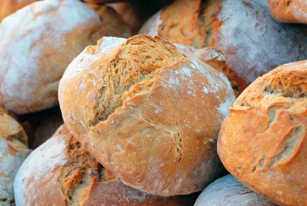 主食 パン