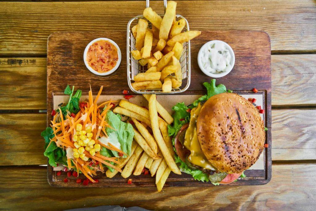 食事、ダイエット、糖質制限、炭水化物