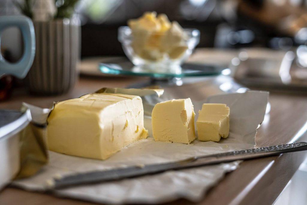バター、計量