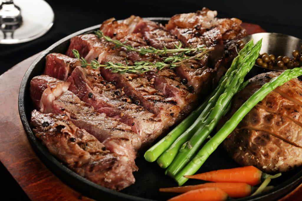 ステーキ、カロリー、脂質、糖質