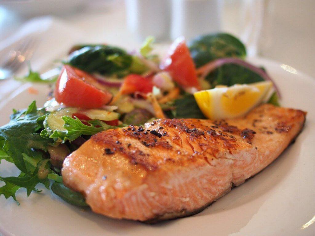 ダイエット 食事 栄養バランスがよい 糖質制限